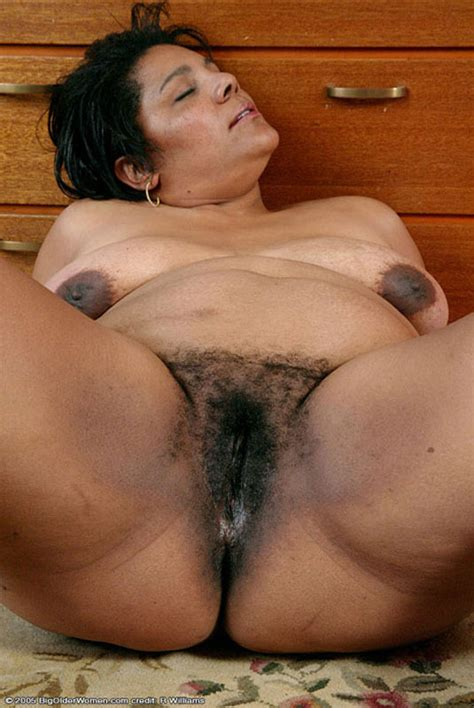 Mature Amateur Hairy Pussy